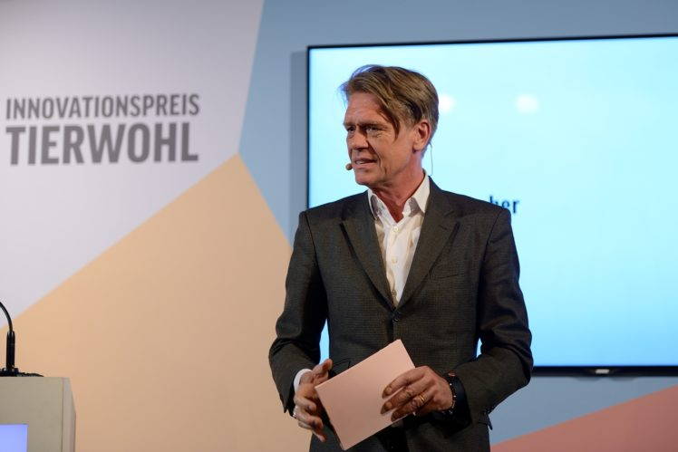 Moderator Hajo Schumacher