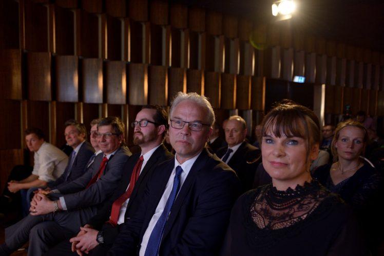 Preisträger und Jury-Mitglieder in der 1. Reihe