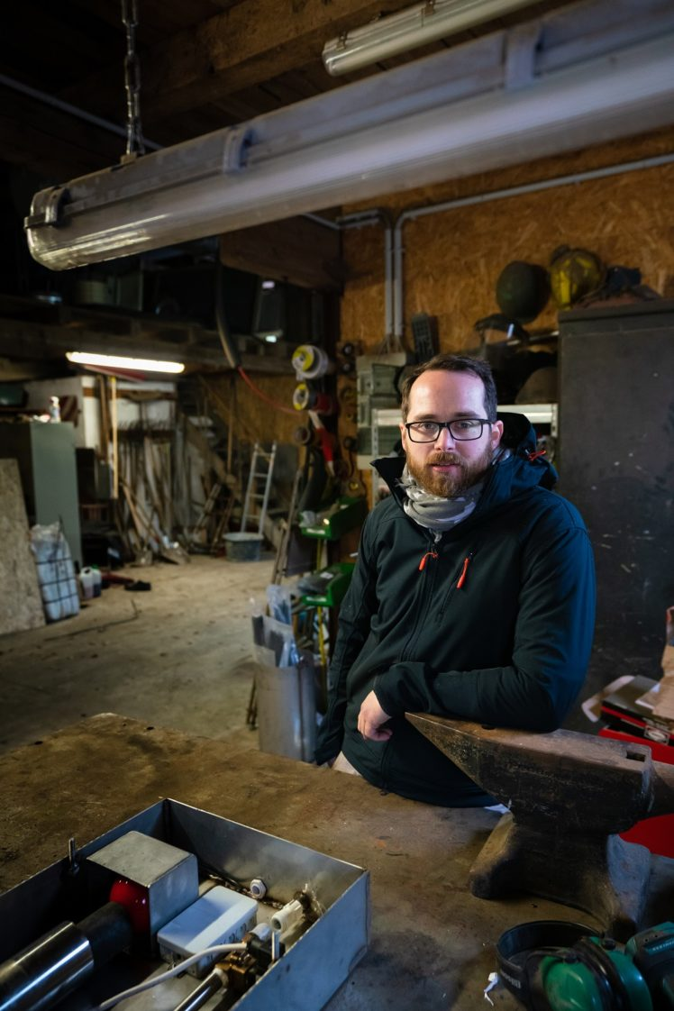 Christoph Becker in seiner Werkstatt